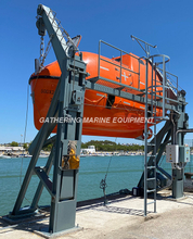 Totally Enclosed Lifeboat / Rescue Boat with Gravity Type Davit